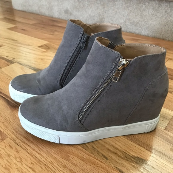"bb17f8a1988 Brash Shoes - ""Brash"" Cece Hidden Wedge • Size 6.5"
